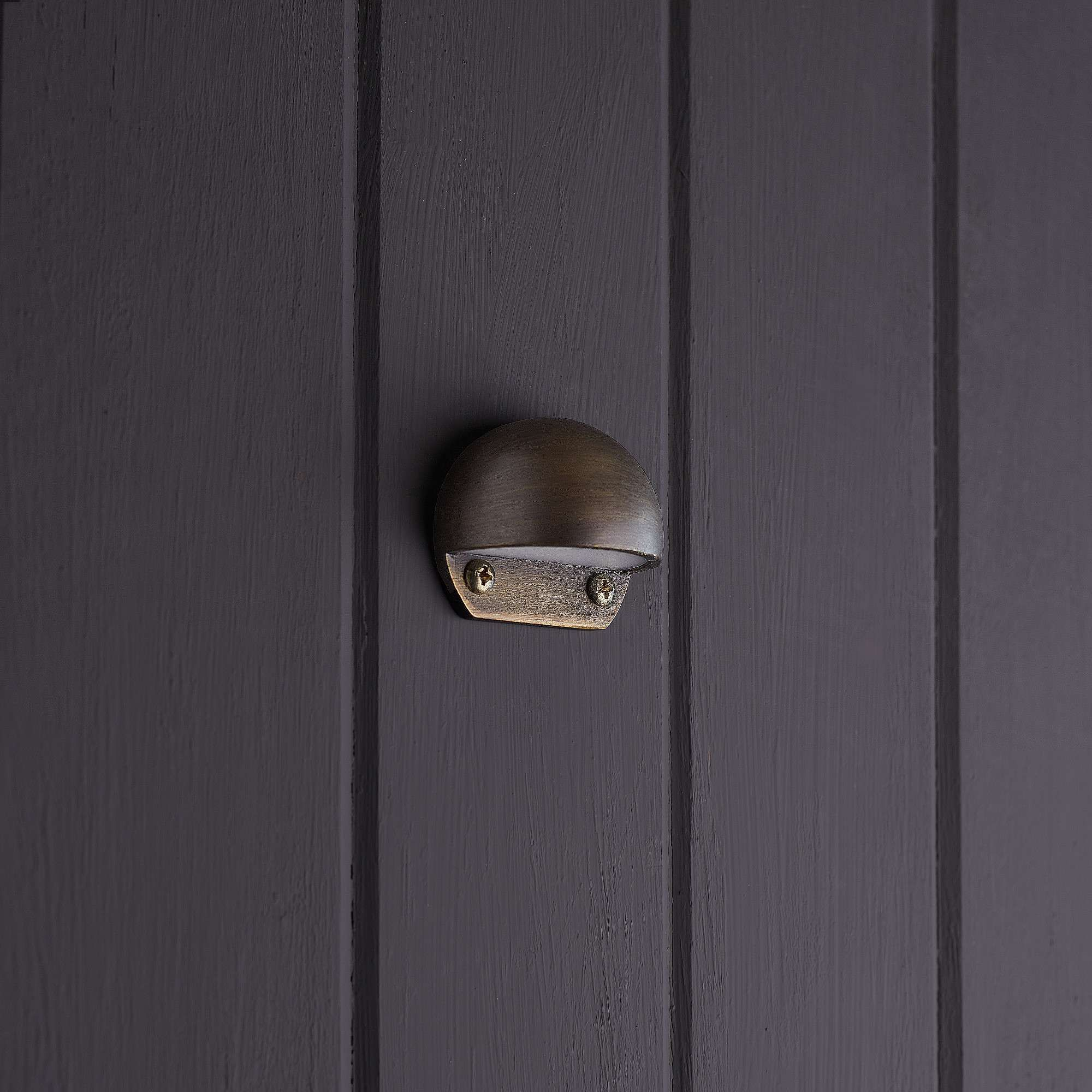 Mousehole ip65 path light in bronze