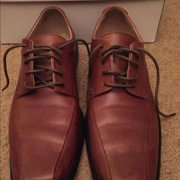 Men's Calvin Klein Oxford Dress Shoes Size 9.5 Men's Calvin Klein horatio oxfords. Size 9.5. Worn a few times. Comes in box. Calvin Klein Shoes
