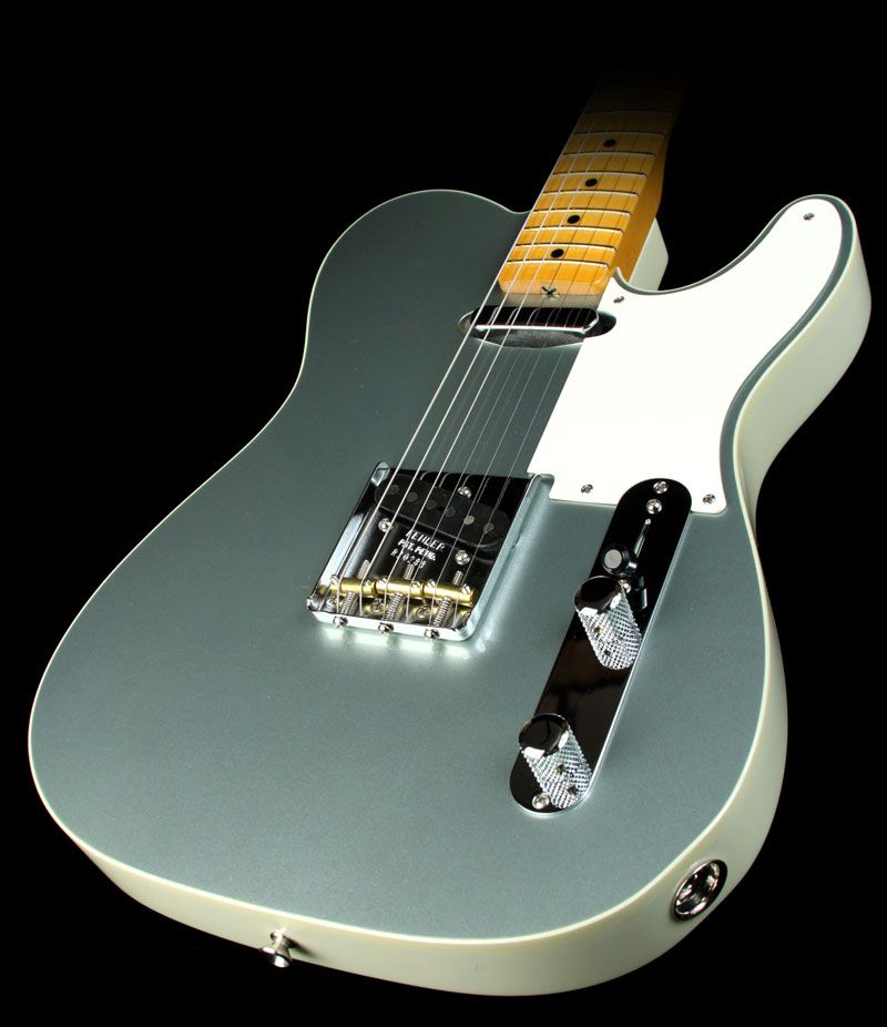 Pin by Jake Ingle on Music Items! Fender electric guitar