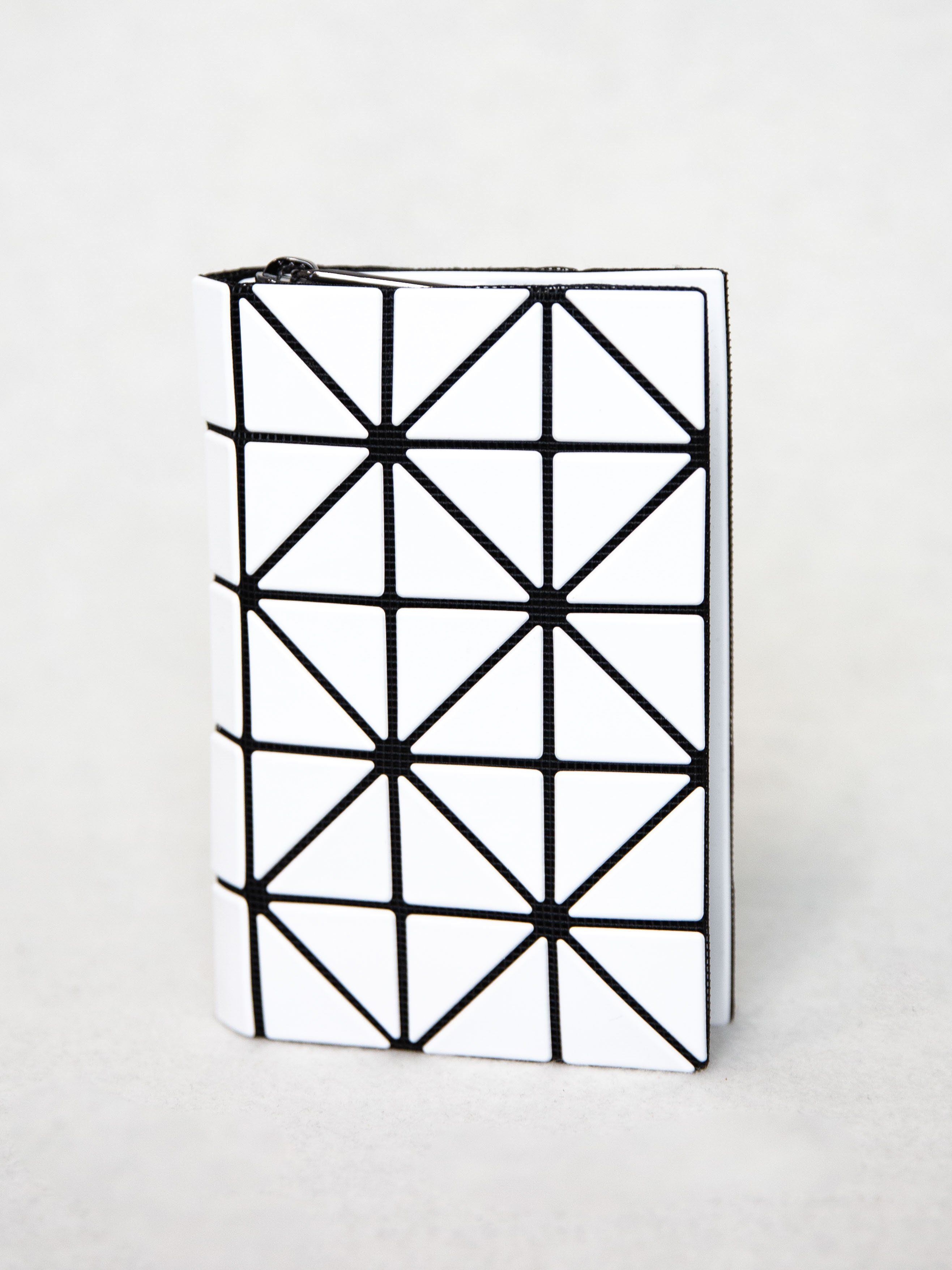 BAO BAO ISSEY MIYAKE Book Wallet - White  600d0f932f0b1