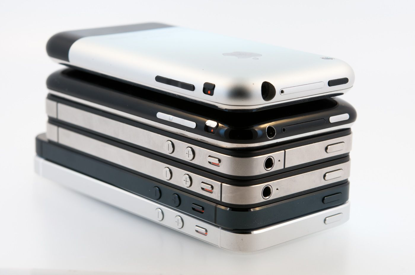 Six Generations of iPhones - [ No comment, just an interesting perspective. -PSC]