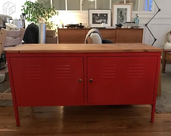 Meuble enfilade TV métal rouge IKEA PS | old + craft = new ...