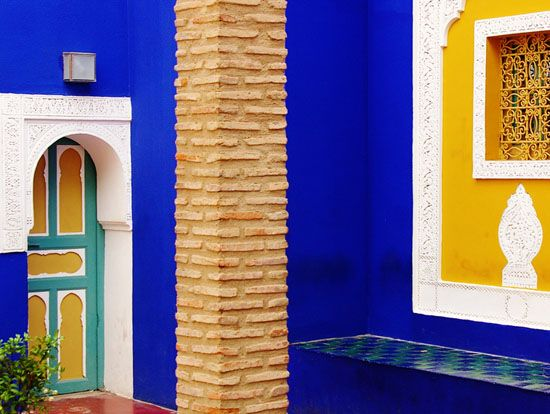 Moroccan Home Decorating With Yellow And Blue Wall Paint Colors