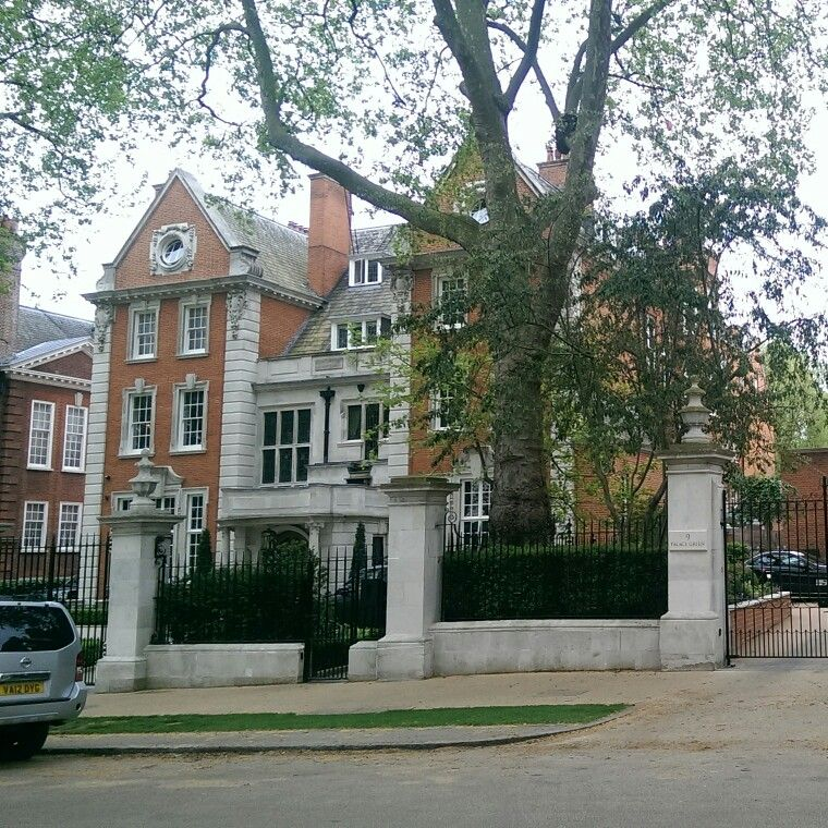 acf0180e77ad2a9880eb933efdd7fffb - Kensington Palace Gardens London Real Estate