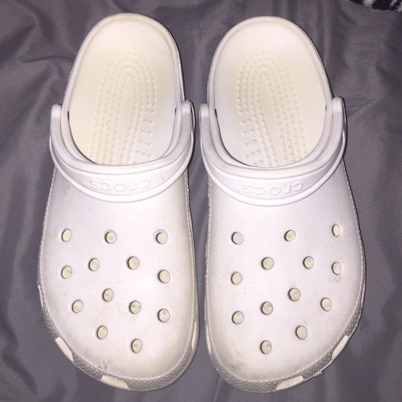 ef3ed445eab White crocs Little dirty but