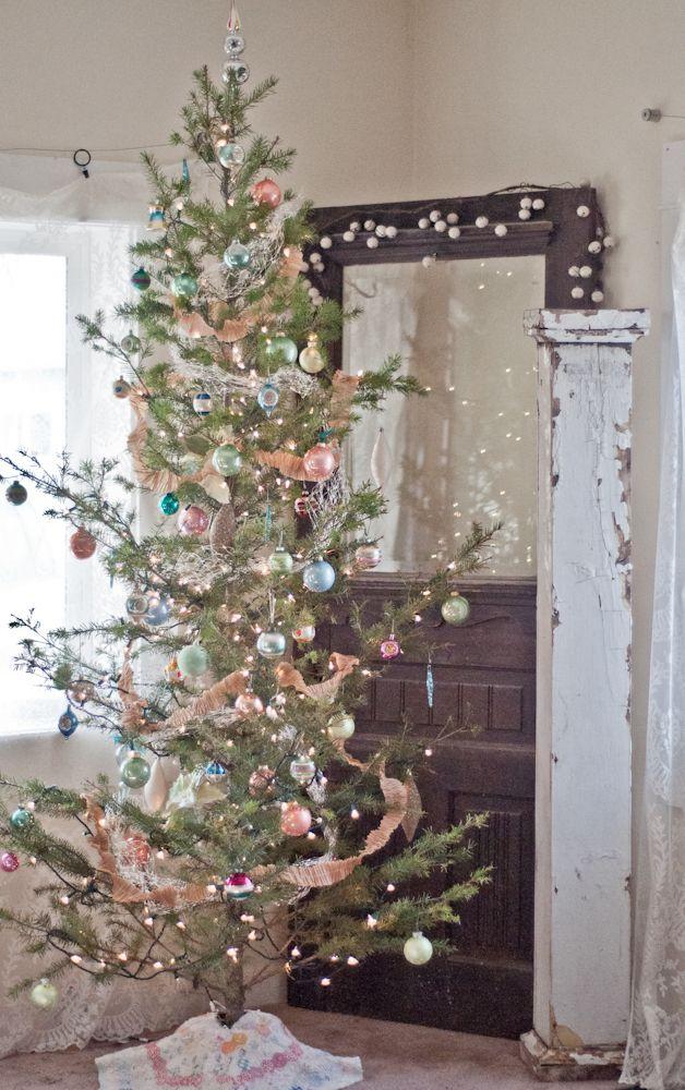 Vintage Whites Blog Shabby Christmas Vintage Christmas Decorations Vintage Christmas Tree