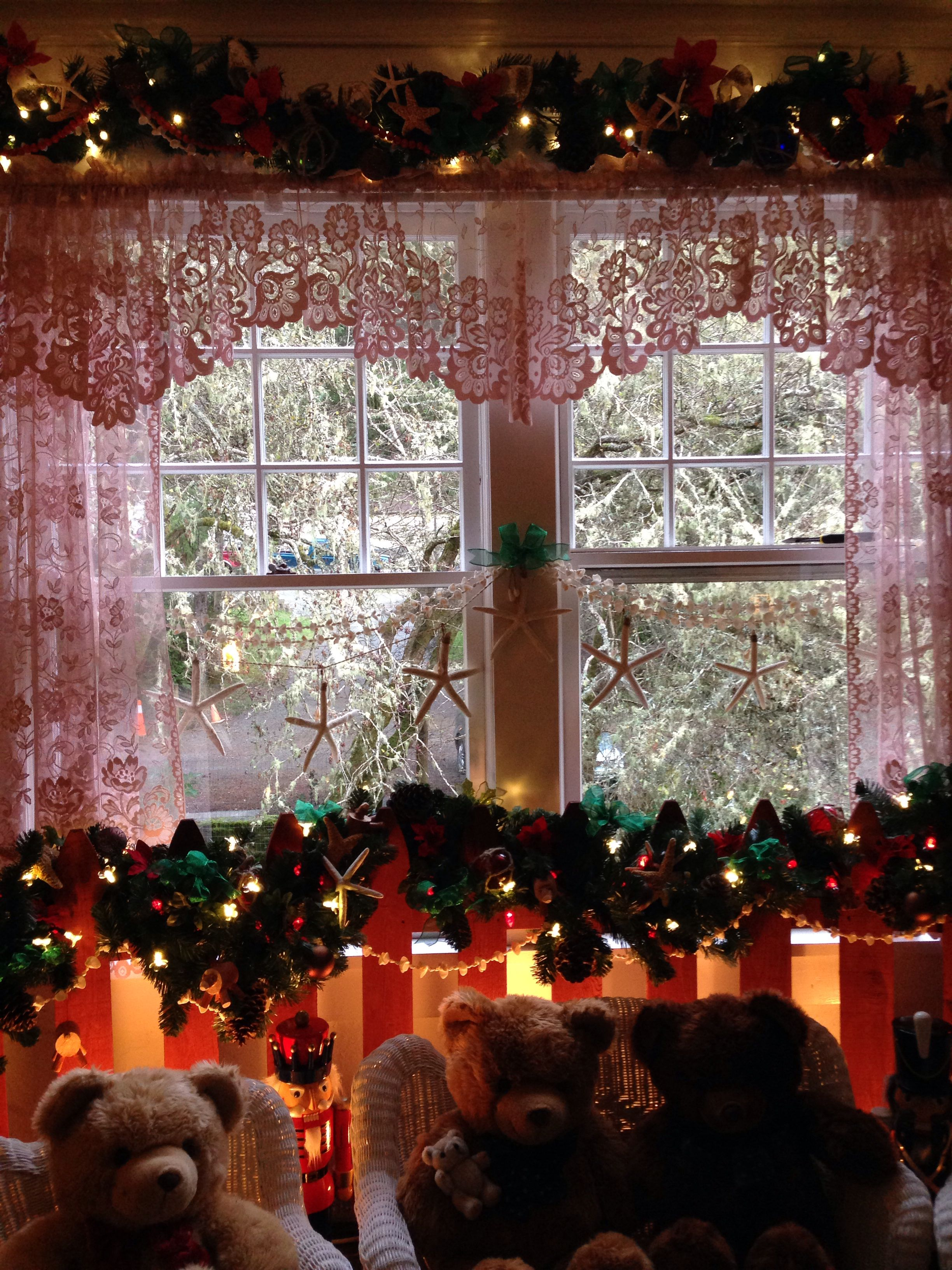 Caretakers Home Decorated At Shore Acres