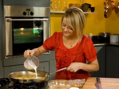 CC_Kelsey-Pasta-Sauce_s4x3