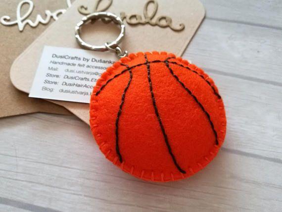445700b7e Llavero del baloncesto baloncesto mamá regalo de llavero de ...