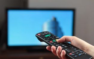 Thanks to the growth of smartphone adoption, about half of the U.S. mobile phone owners use their devices while watching TV, a new study suggests.