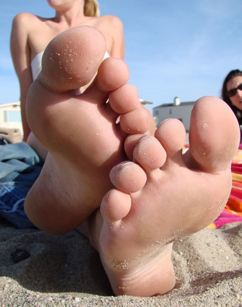 Barefoot and naked on the beach gallery — img 7