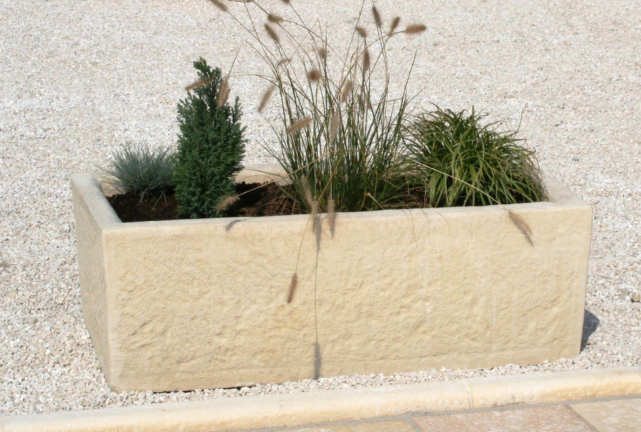 Auge jardini¨re ancienne imitation de la pierre taillée style