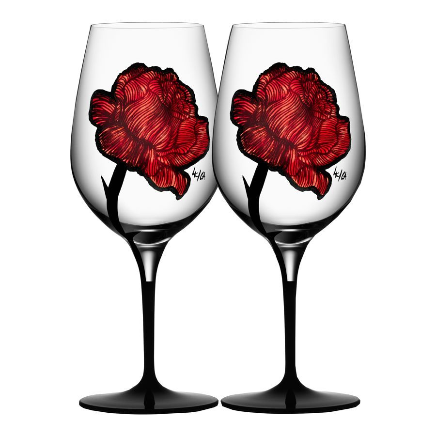 Ludvig Lofgren Celebrates The Artistry Of Tattooing In This Bold Glassware Collection From Kosta Boda He Created A Wine Glass Set Wine Glass Red Wine Glasses
