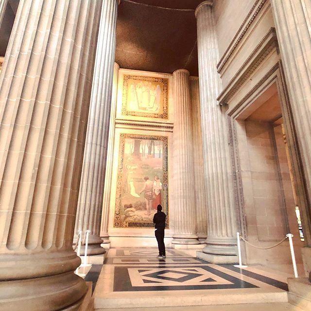 Standing in awe of such beauty... @pantheon.paris #pantheonparis