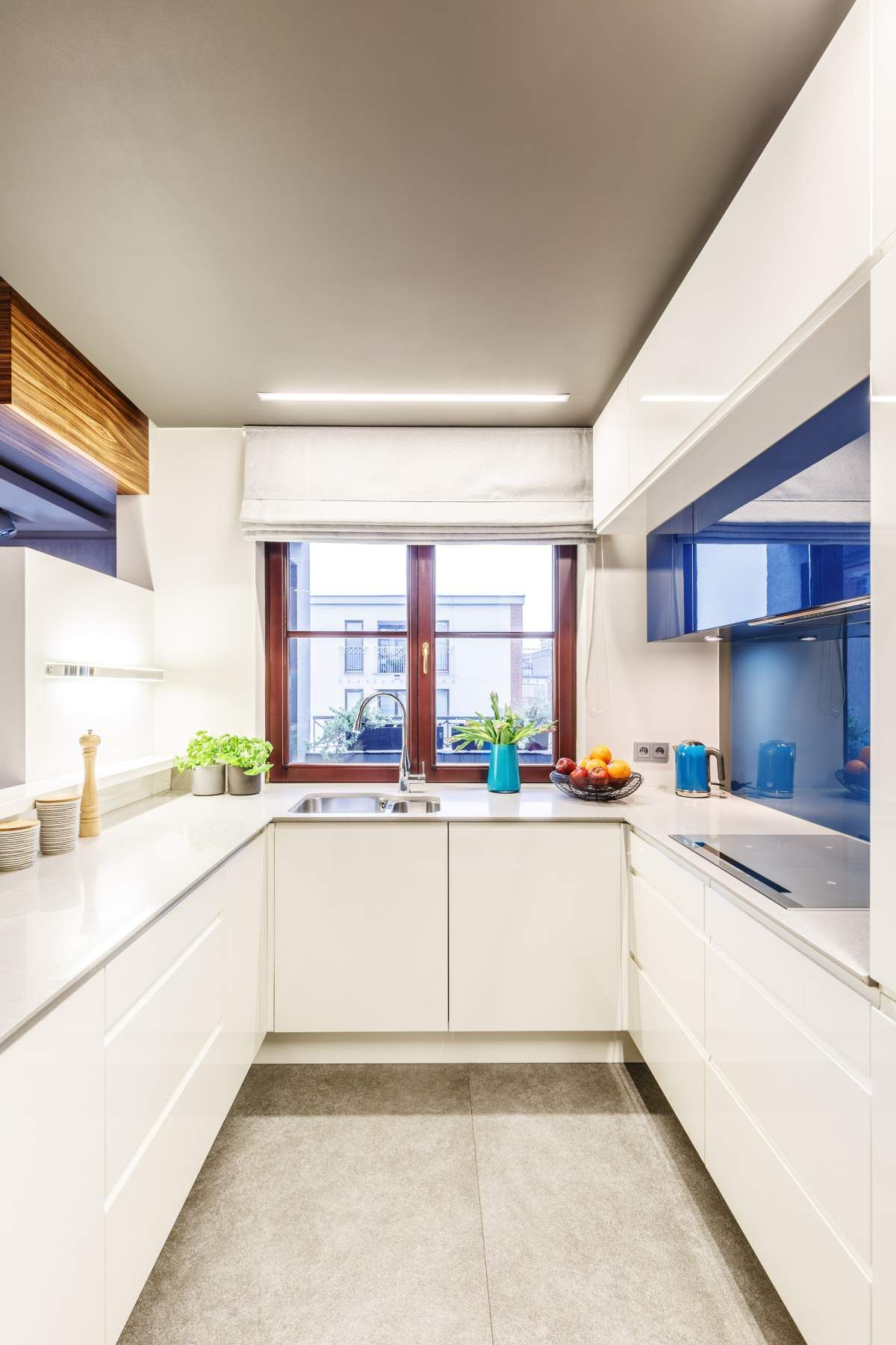 Galley Kitchens Design Ideas and Configuration Tips in