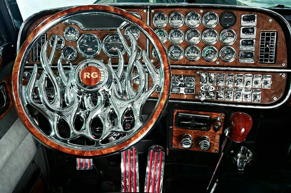 look at this steering wheel in this 379 peterbilt my style cool stuff pinterest. Black Bedroom Furniture Sets. Home Design Ideas