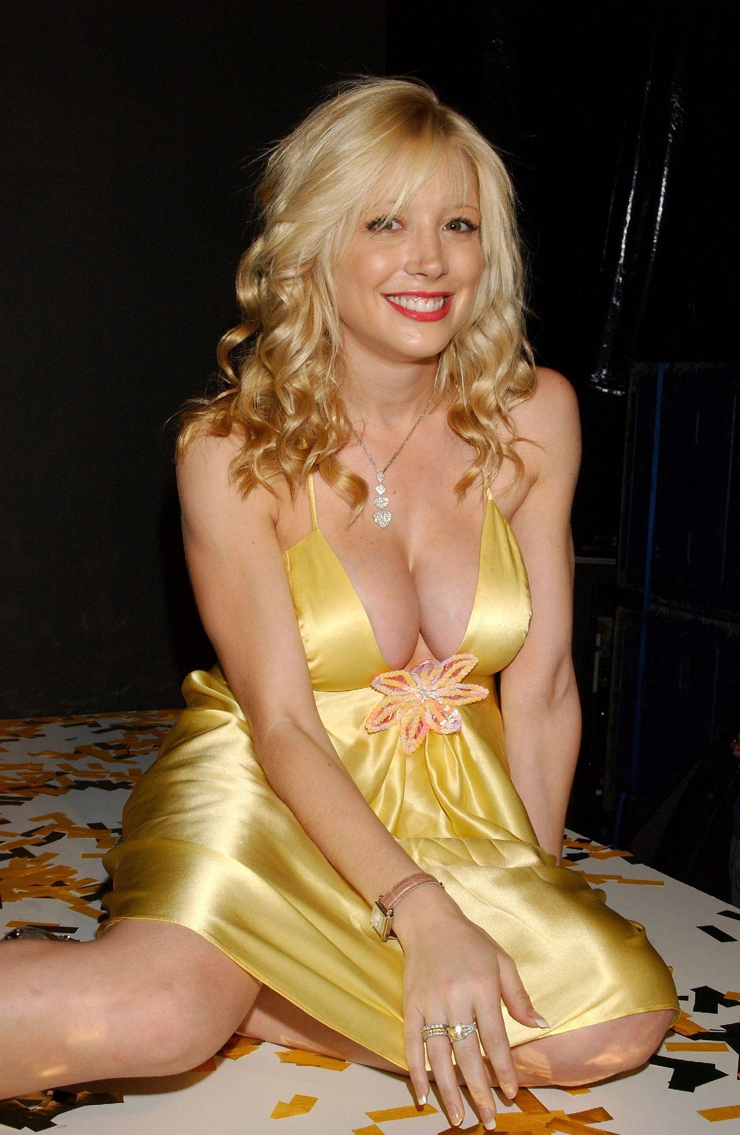 Penelope Wilton (born 1946),Kathryn Doby Erotic video Yuan Li,Marg Helgenberger born November 16, 1958 (age 59)