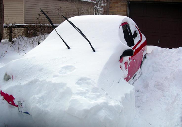 comment bien pr parer sa voiture pour affronter l 39 hiver voitures hiver et astuces. Black Bedroom Furniture Sets. Home Design Ideas