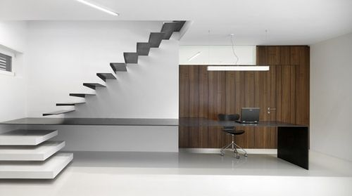 Burnazzi-Feltrin-Architetti - GP offices, Trento 2007. Impossibly thin desk and stairs.