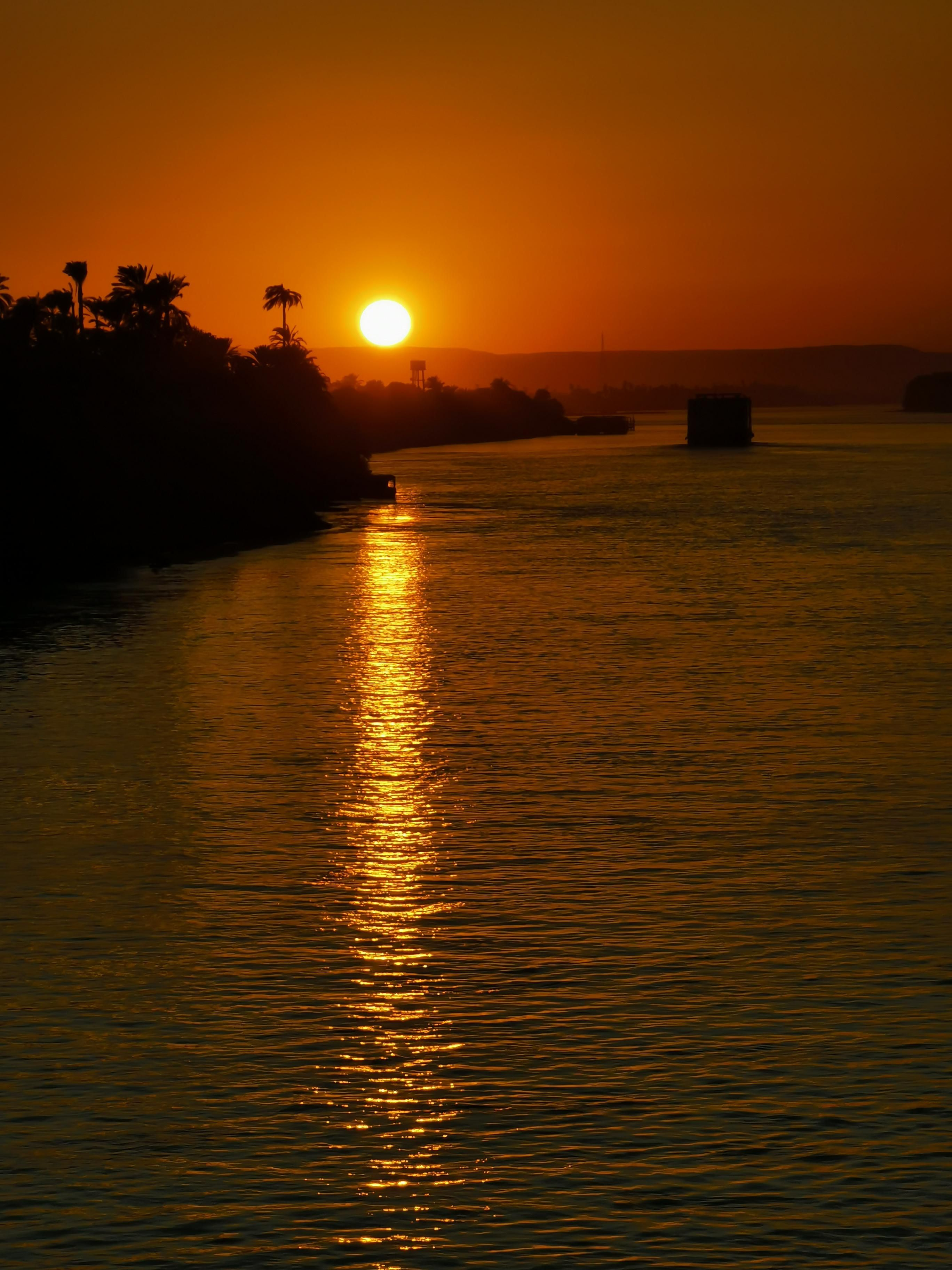 Itap Of The Sun Setting On The Nile River Photo Capture Nature Incredible Sunset Landscape Sunset Photography Dark Wallpaper Hd wallpaper sunset river sun evening