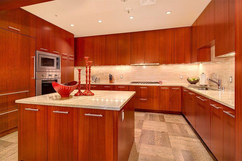 25 Cherry Wood Kitchens (Cabinet Designs & Ideas) | Cherry wood kitchen cabinets, Cherry wood ...