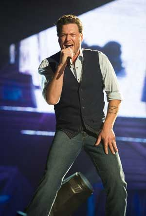 Blake Shelton Announced As First Headliner for 2015 Kicker Country Stampede Festival