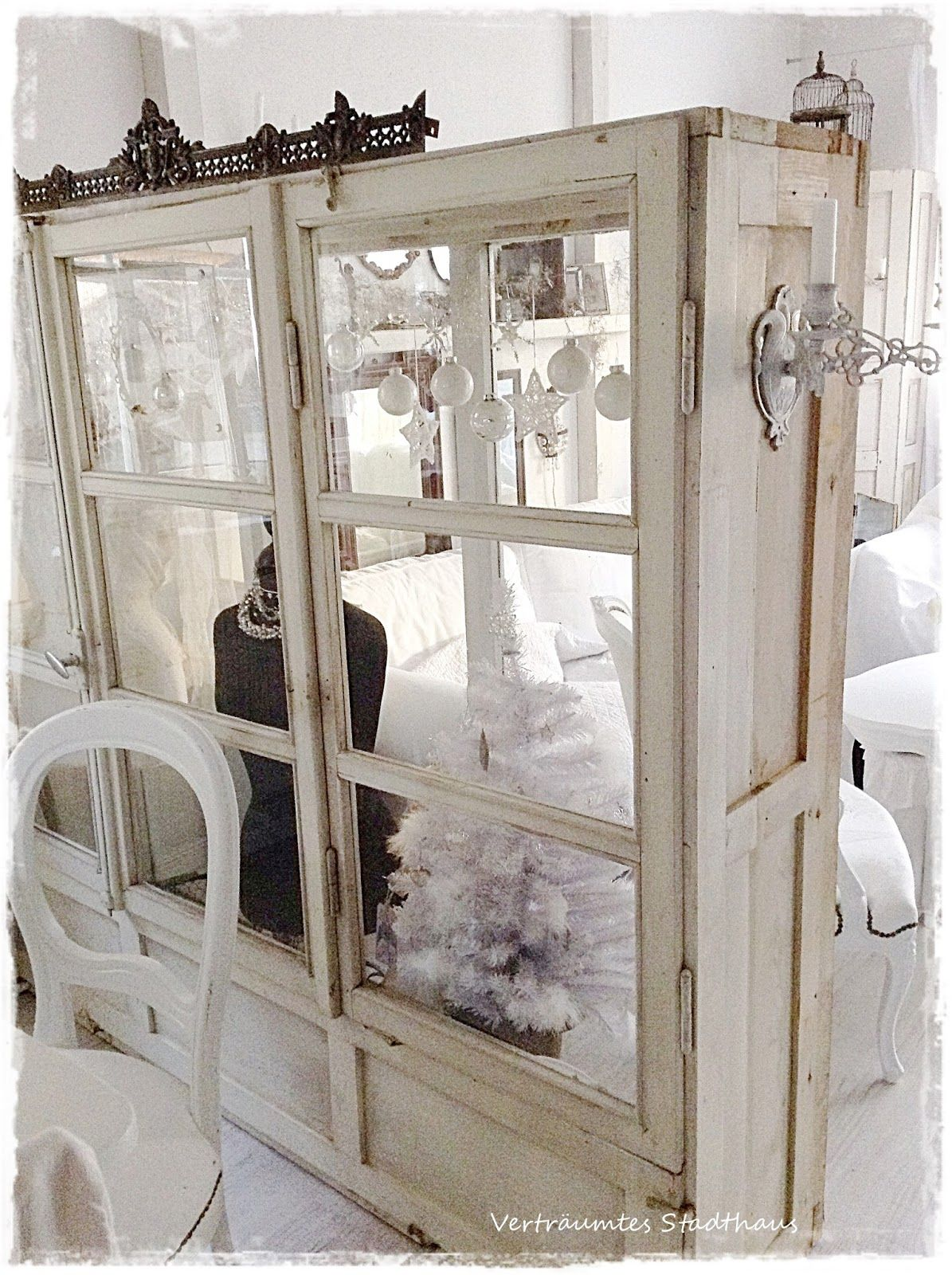 Wohnzimmer Im Landhausstil An Weihnachten Cabinet Made From Salvaged Windows This Is A Creative