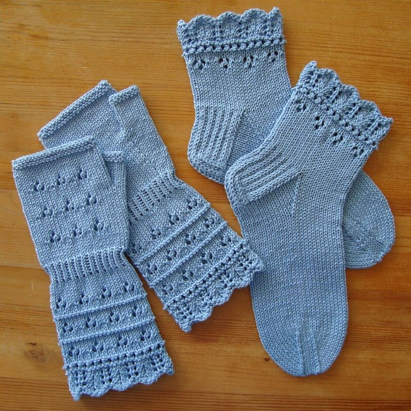 Free Lace Knit Pattern Fingerless Gloves And Socks Knitting