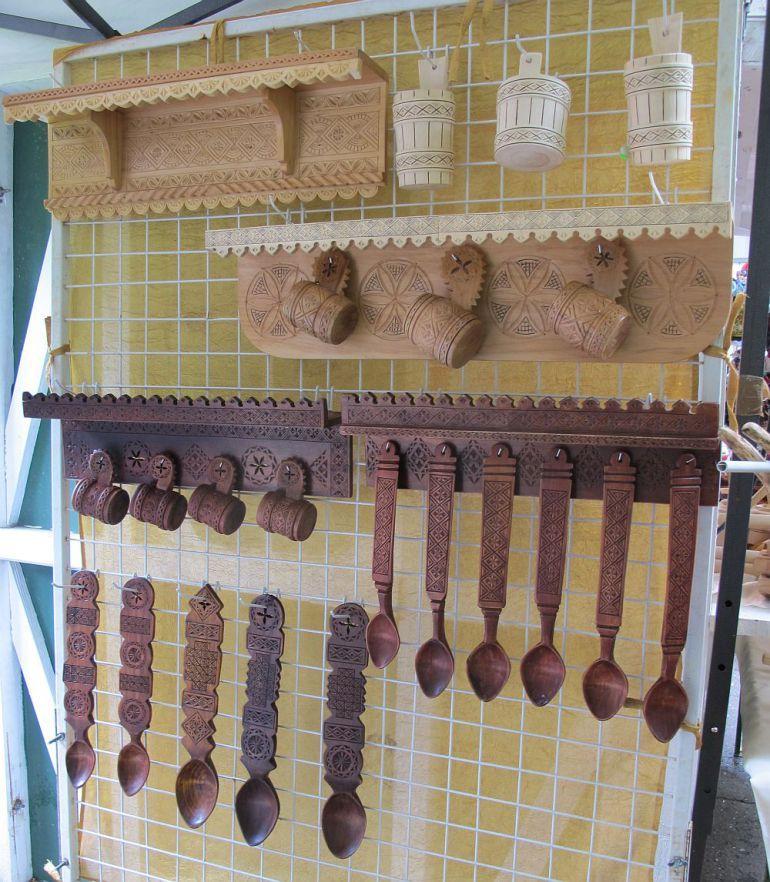 adelaparvu.com despre mobila traditional romaneasca si icoane pe sticla mesteri…