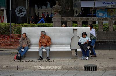 El asiento vacío. The empty seat.