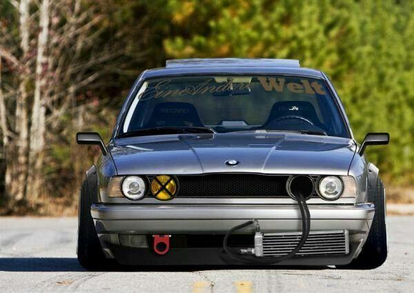 Bmw E34 Retro Slammed With Images Bmw Bmw E34 Car