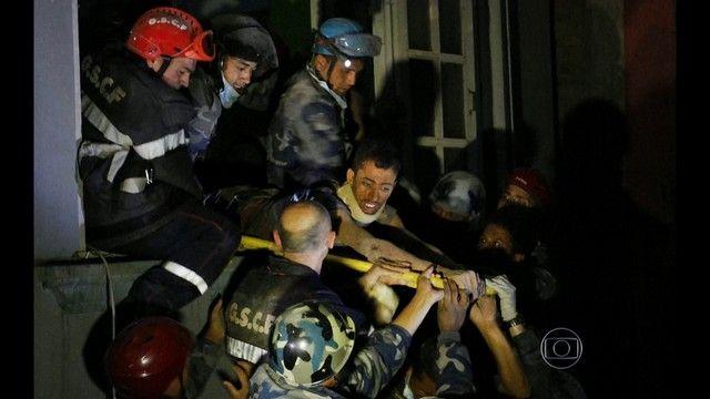 G1 - Lotados, hospitais de Katmandu chegam ao limite - notícias em Mundo