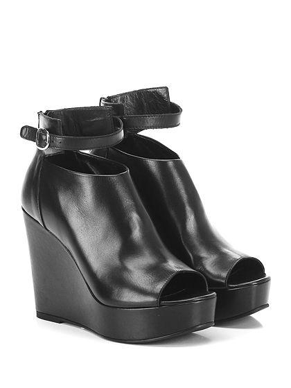 STRATEGIA - Zeppe - Donna - Zeppa in pelle con cinturino alla caviglia e zip su retro. Suola in gomma, tacco 115, platform 35 con battuta 80. - NERO - € 235.00