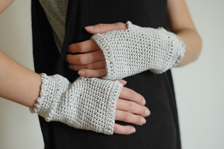 toiowo - hand-crochet cotton + lace wrist warmers