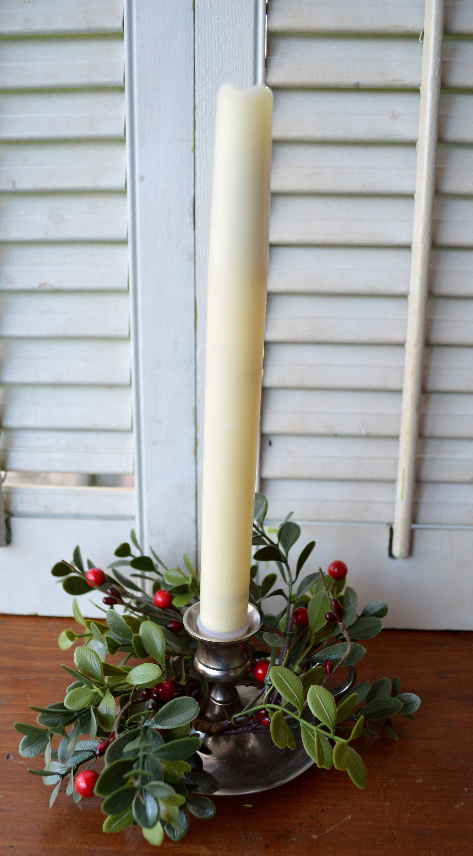 Boxwood Candlering Taper candle, Taper candlering, berry