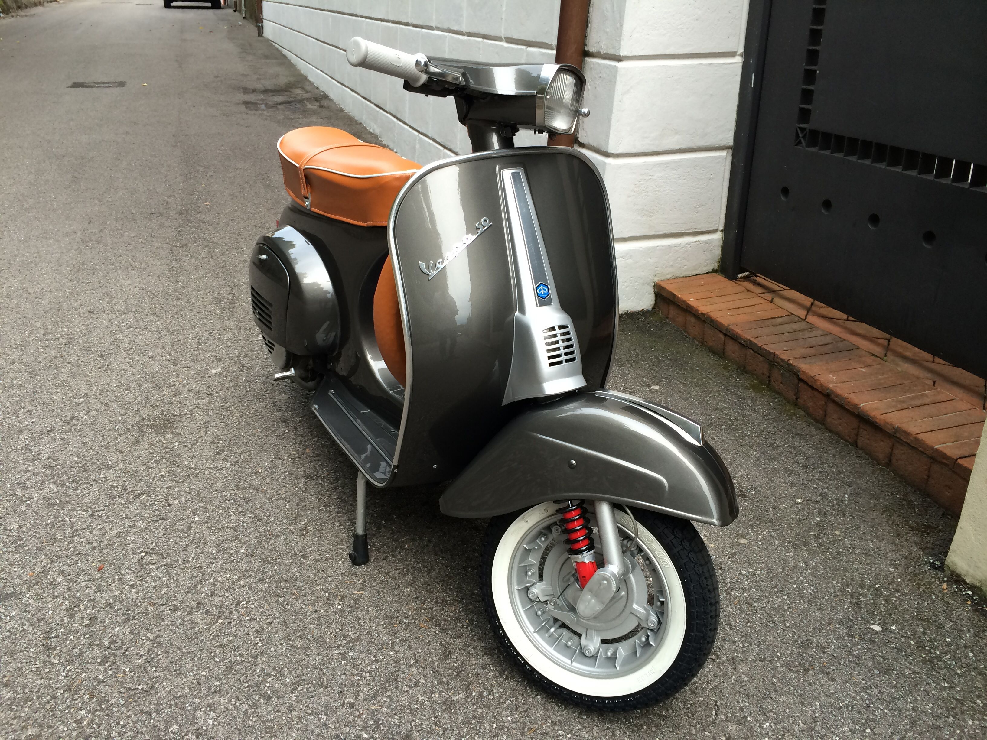 vespa 50 special 1981 livin 39 the dream vespa. Black Bedroom Furniture Sets. Home Design Ideas