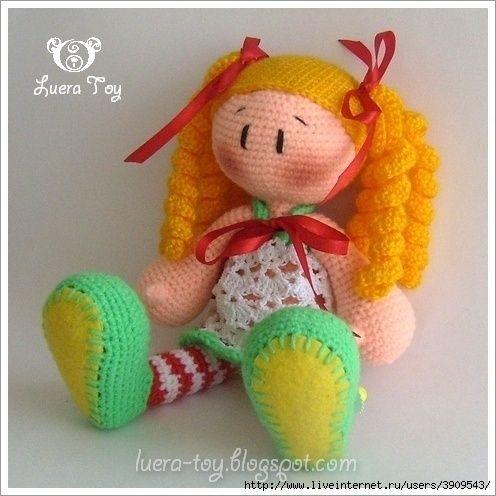 Muñeca con medias a rayas. | Puppe, kostenlose Muster und Kleinigkeiten
