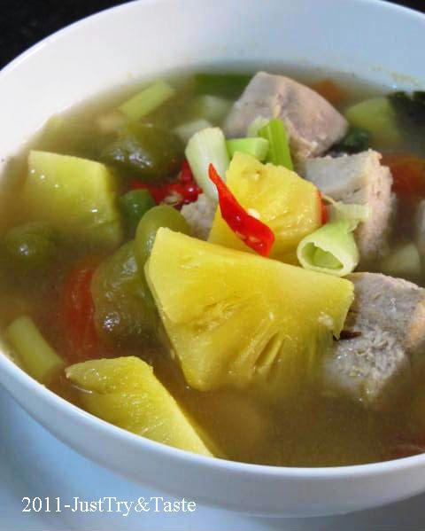 Resep Sup Tuna Asam Pedas Dengan Nanas Ide Makanan Resep Ikan Resep Makanan