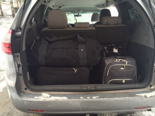 Trunk Filling Up Fast Use Our Rooftop Carriers To Gain More Trunk Space On Your Next Roadtrip Free Return Shipping On All Rentals Rooftop Carriers Golf Bags