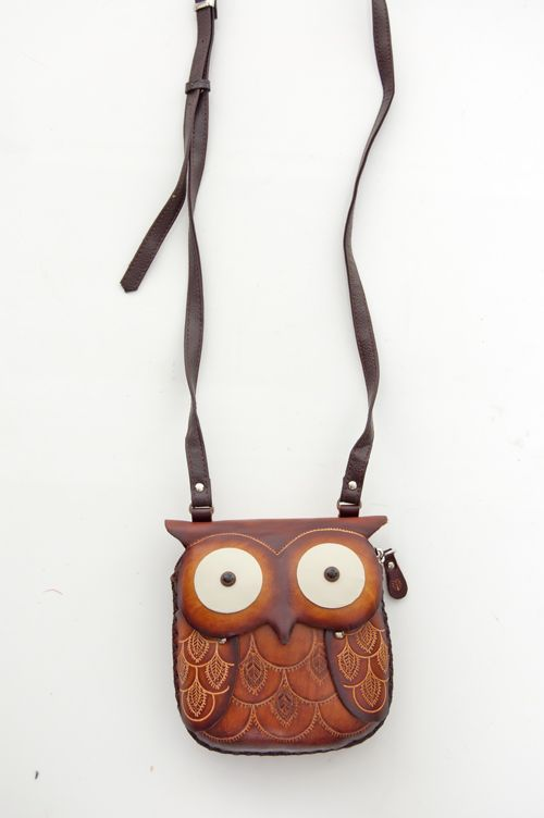 item 20431b unique hand made leather owl pouch $40