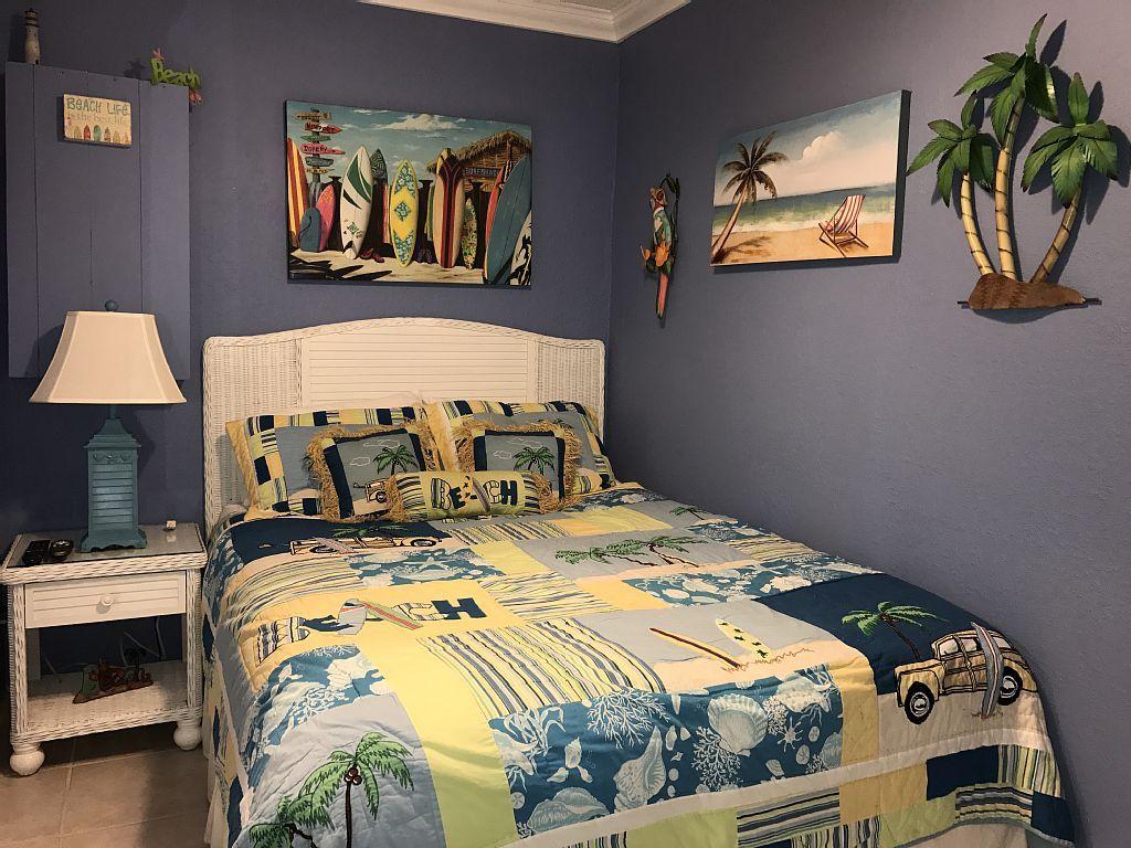 Pin on BEACH FRONT CONDO! 1 BEDROOM SLEEPS 4 8