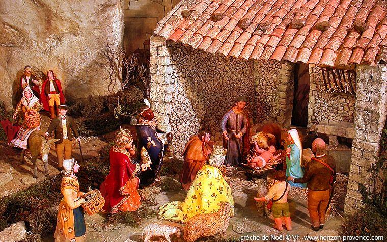 Populaire crèche de Noël à Reillane en Provence © VF | Crèches de Nöel  SB55