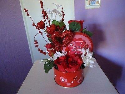 New Gift Holiday Valentine`s Day Silk Flower Rose Arrangement Heart Basket Decor