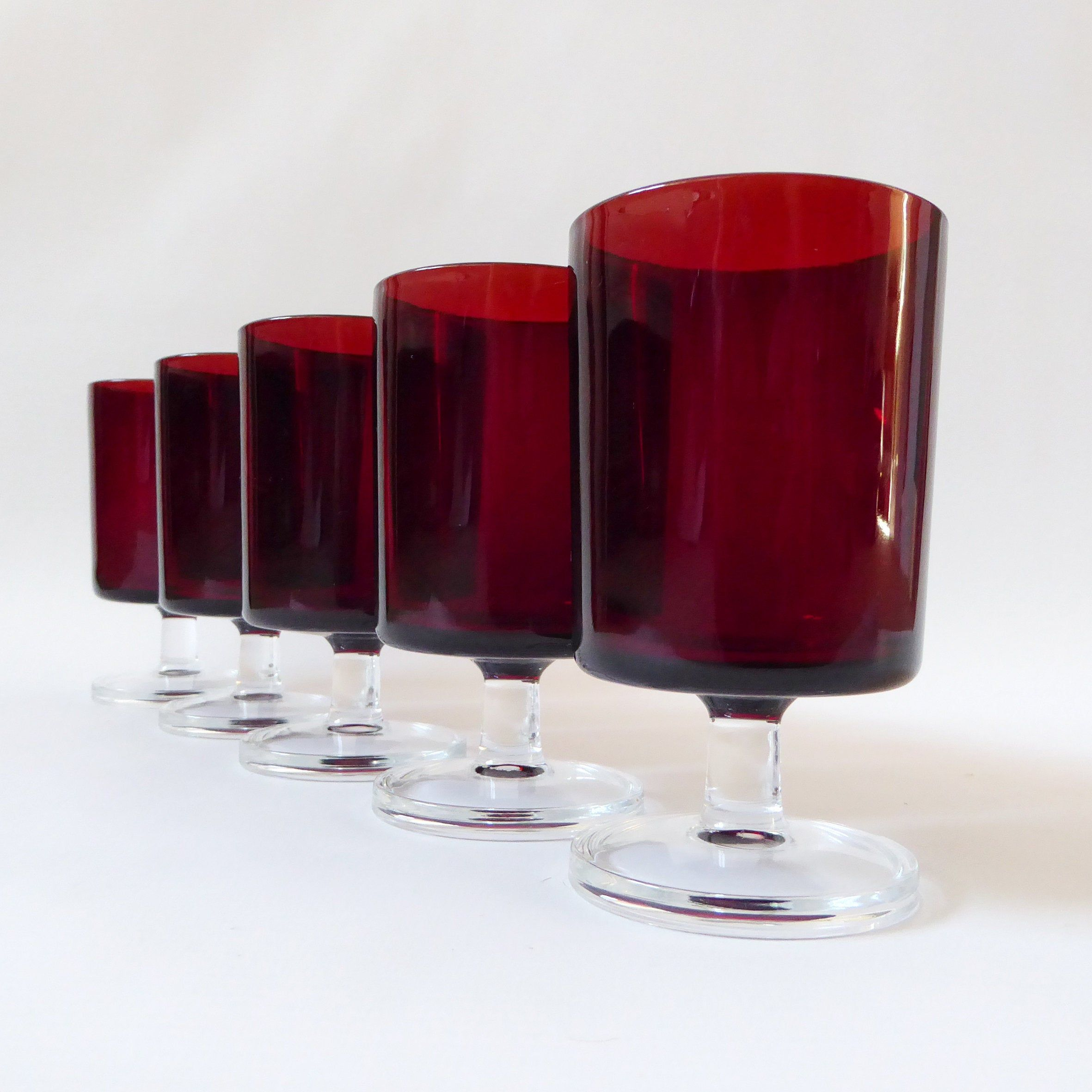5 Vintage Luminarc Cavalier Red Wine Glasses 11 5cm Or 200ml Etsy In 2020 Vintage Wine Glasses Red Wine Glasses Wine Glass Sizes