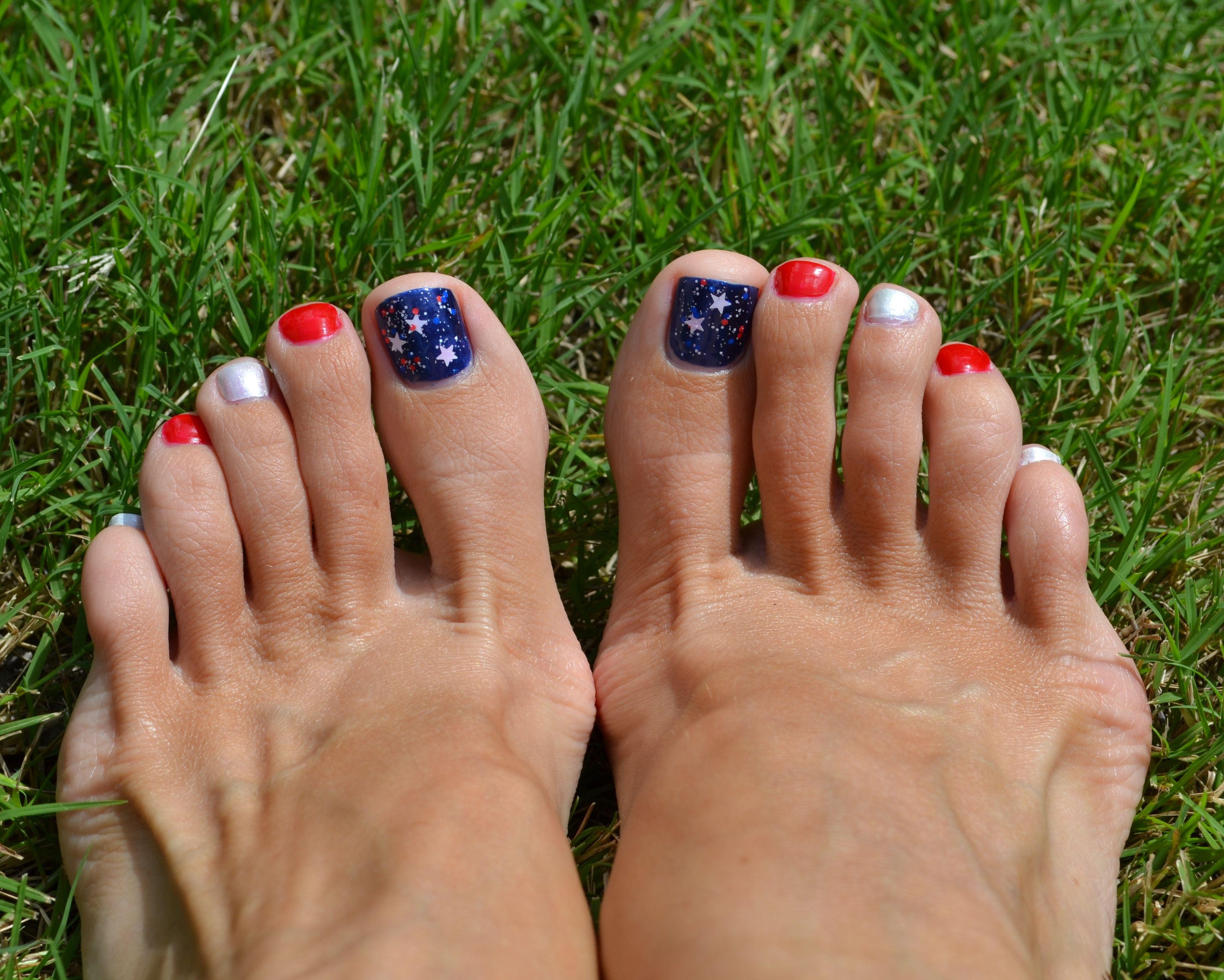 Sinfulcolors 4th Of July Patriotic Pedicure Pretty Toe Nails Summer Toe Nails Cute Toe Nails