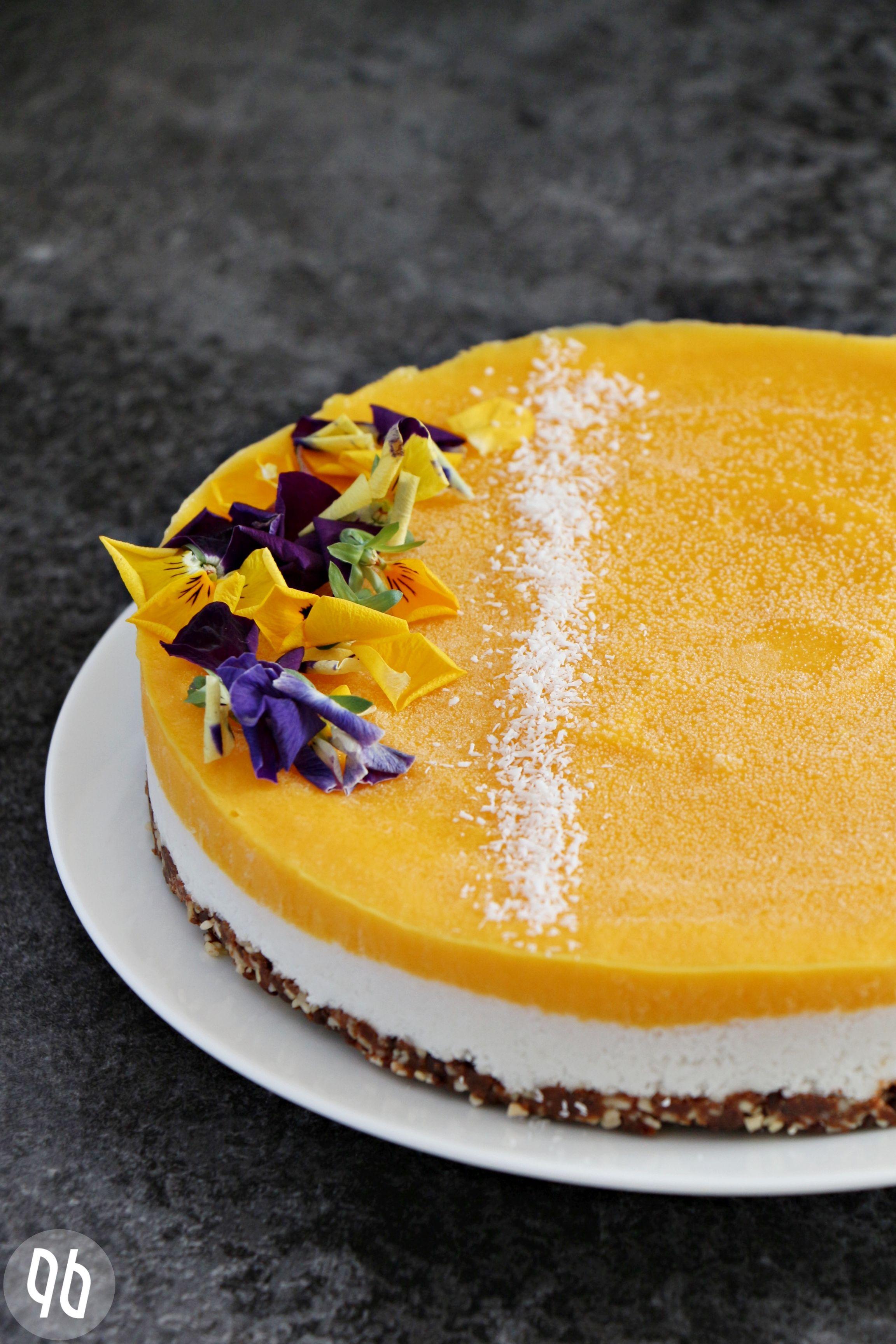 (Rezept) Rohköstlicher Mango-Kokos-Kuchen mit Schokocrunch + Neuigkeiten