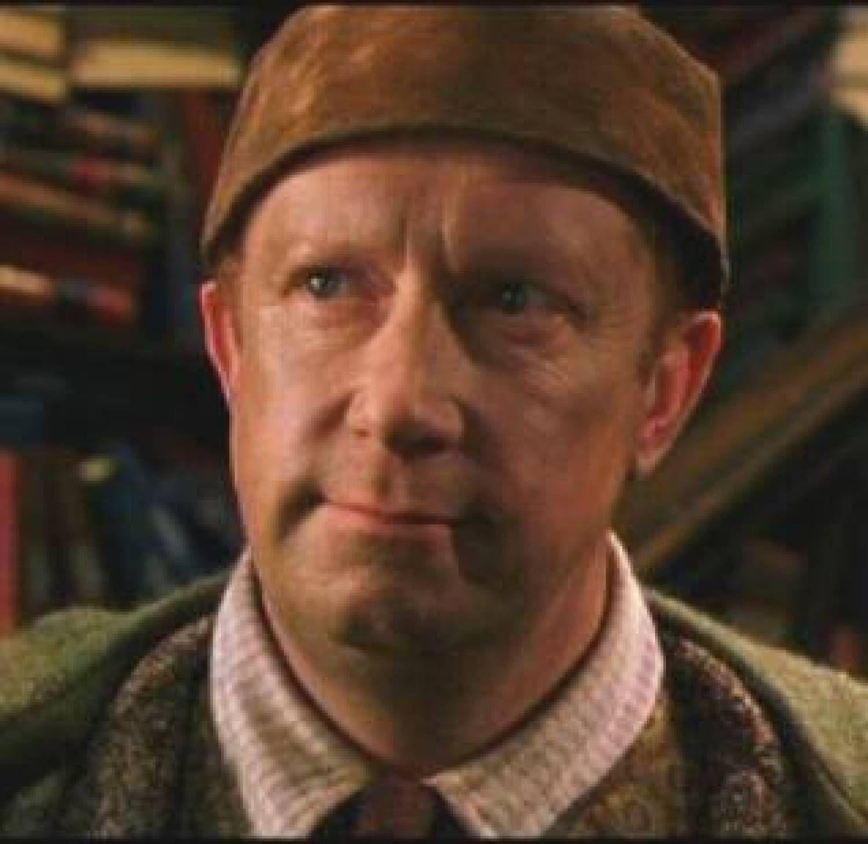 The Deathly Hallows Arthur Weasley S Wand Headcanon Harry Potter Arthur Weasley Harry Potter Obsession