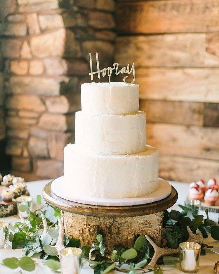 "Cuppie Cakes And Sweets (@cuppie_cakes_and_sweets) on Instagram: """"Make it look like mom made it"" 💕 . .  #cuppiecakesandsweets #weddingcake #bridal #theknot…"""