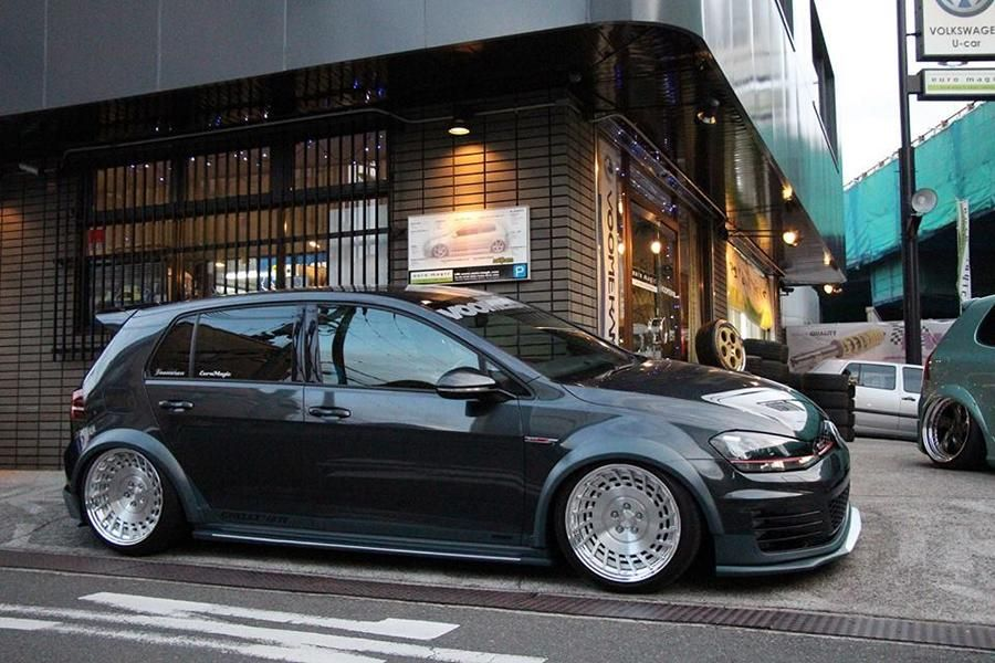 voomeran bodykit vw golf mk7 tuning osaka automesse photo. Black Bedroom Furniture Sets. Home Design Ideas
