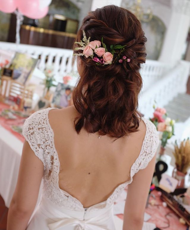 Half up half up hairstyle with flowers for shoulder length ...